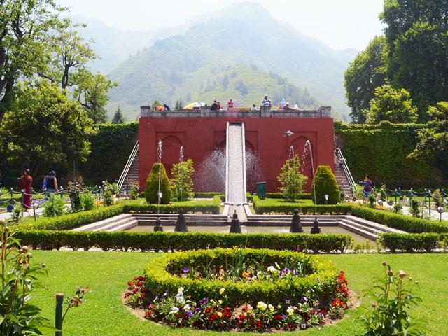 Mughal-Gardens-Srinagar