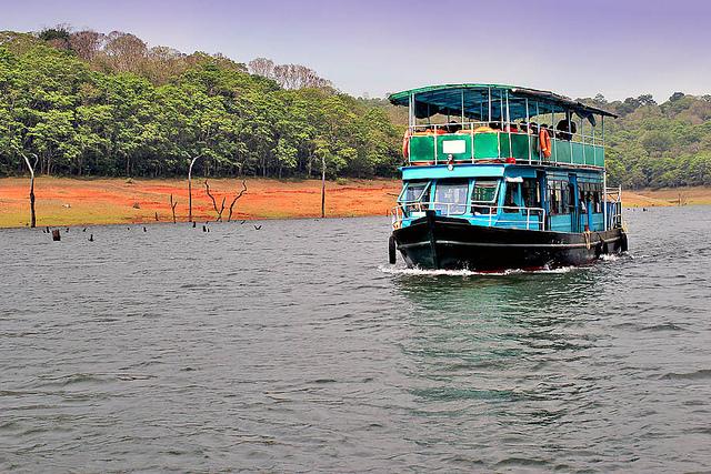 Periyar-Lake-Boat-Ride