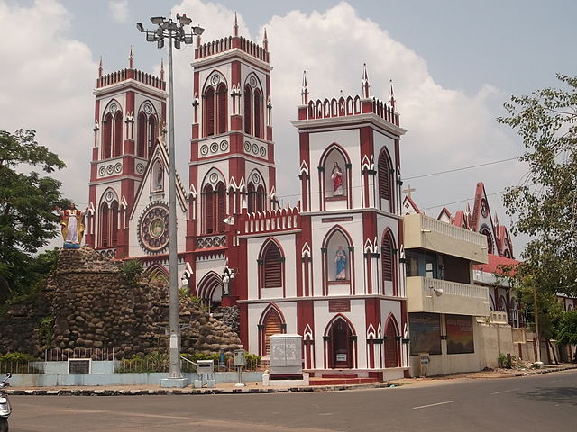 church of the sacred heart of jesus pondicherry