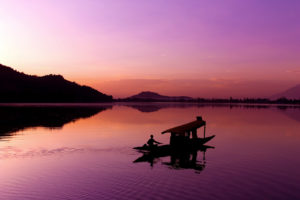 dal-lake-kashmir-sunset