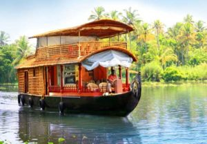 houseboat-from-Kumarakom-to-Alleppey