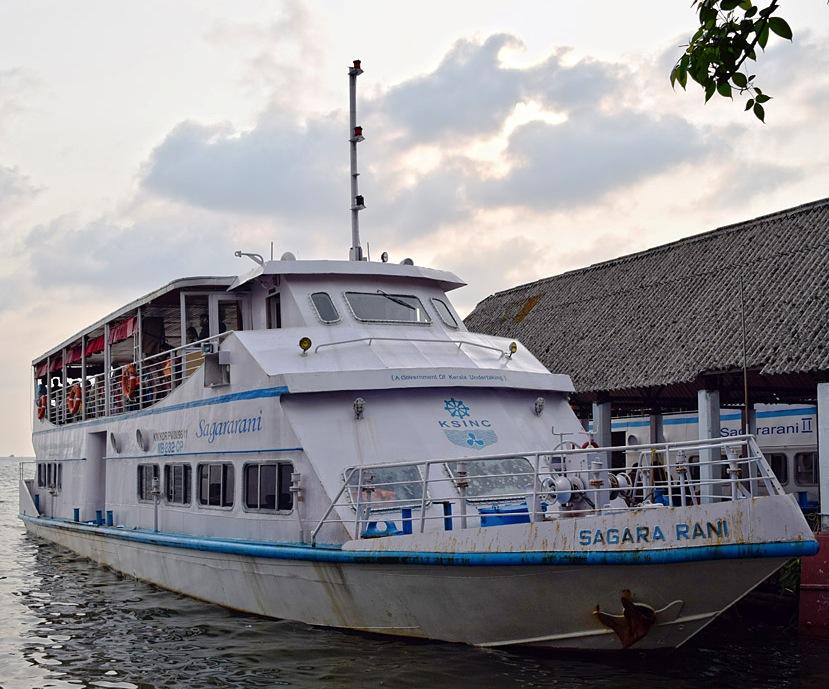 sagar rani boat ride cochin
