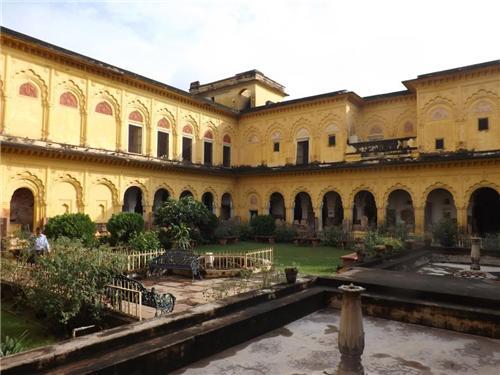 Jhansi Palace