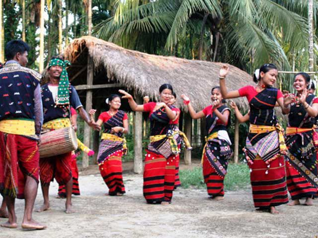 traditional dance performance by the local tea tribes