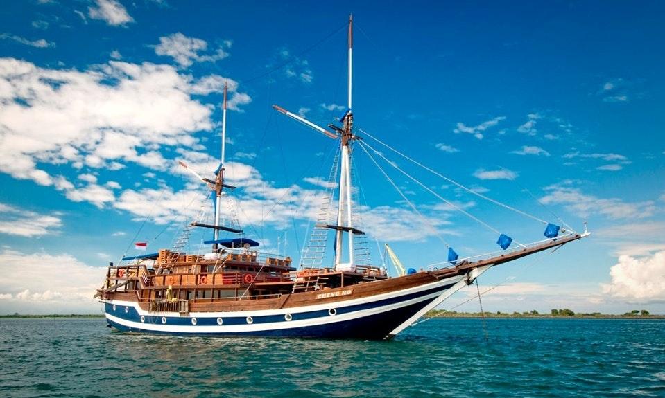 pirates dinner cruise bali